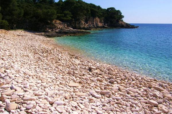 les plus belles plages de galets de croatie elles sont ici. Black Bedroom Furniture Sets. Home Design Ideas