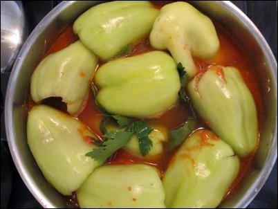 Poivrons farcis punjene paprike recette pas pas avec - Cuisiner les poivrons verts ...